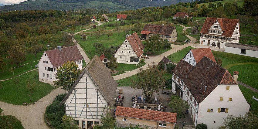 luftbild_freilichtmuseum-beuren-kreisarchiv-esslingen---horst-guth-900x600